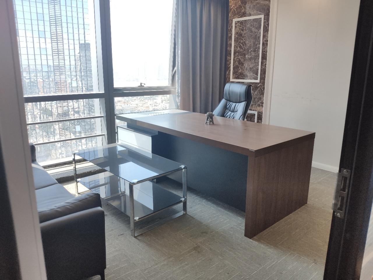 市中心 CBD核心泊富国际,精装带家具,拎包入住,24时空调