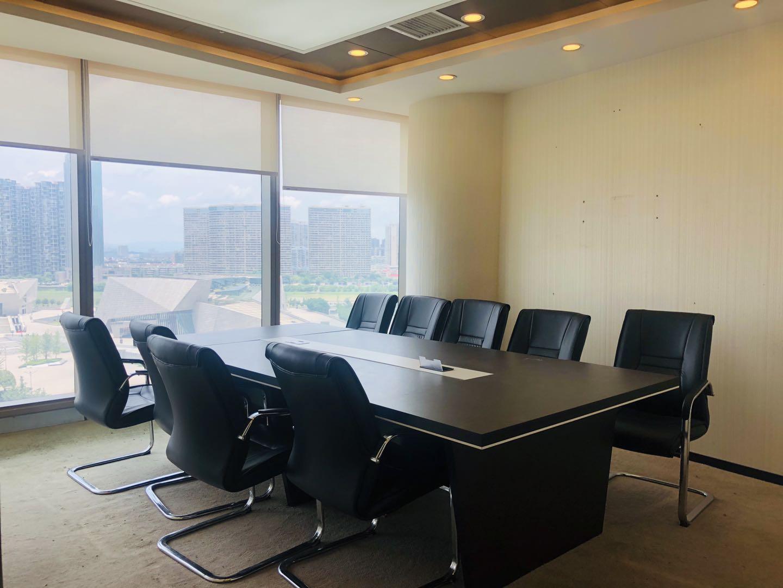 北辰中信大厦268平,全线江景电梯口,带全套家具,拎包办公