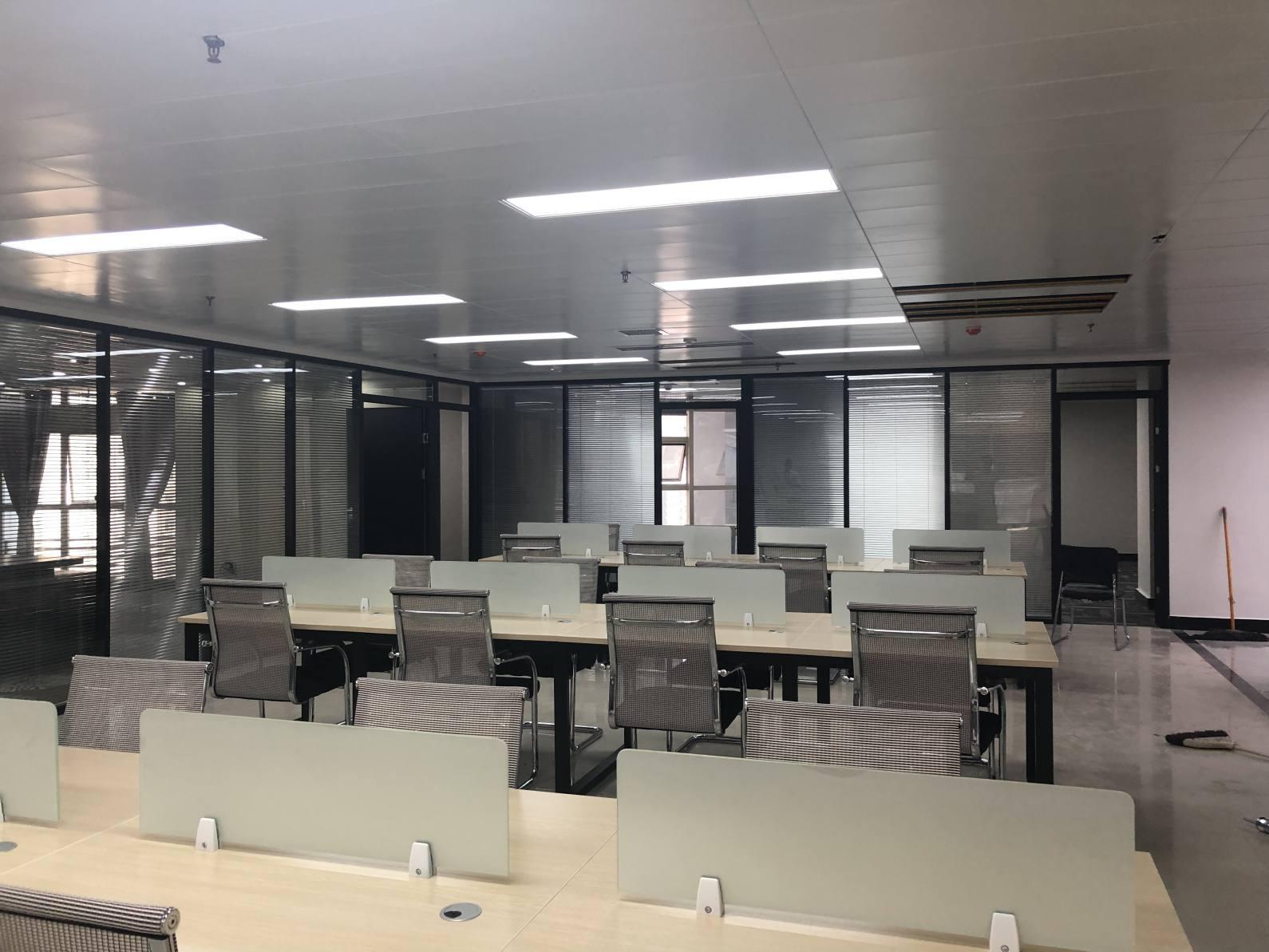 芙蓉广场 双地铁口 24H空调 中隆国际大厦 精装带家具 大厅80人