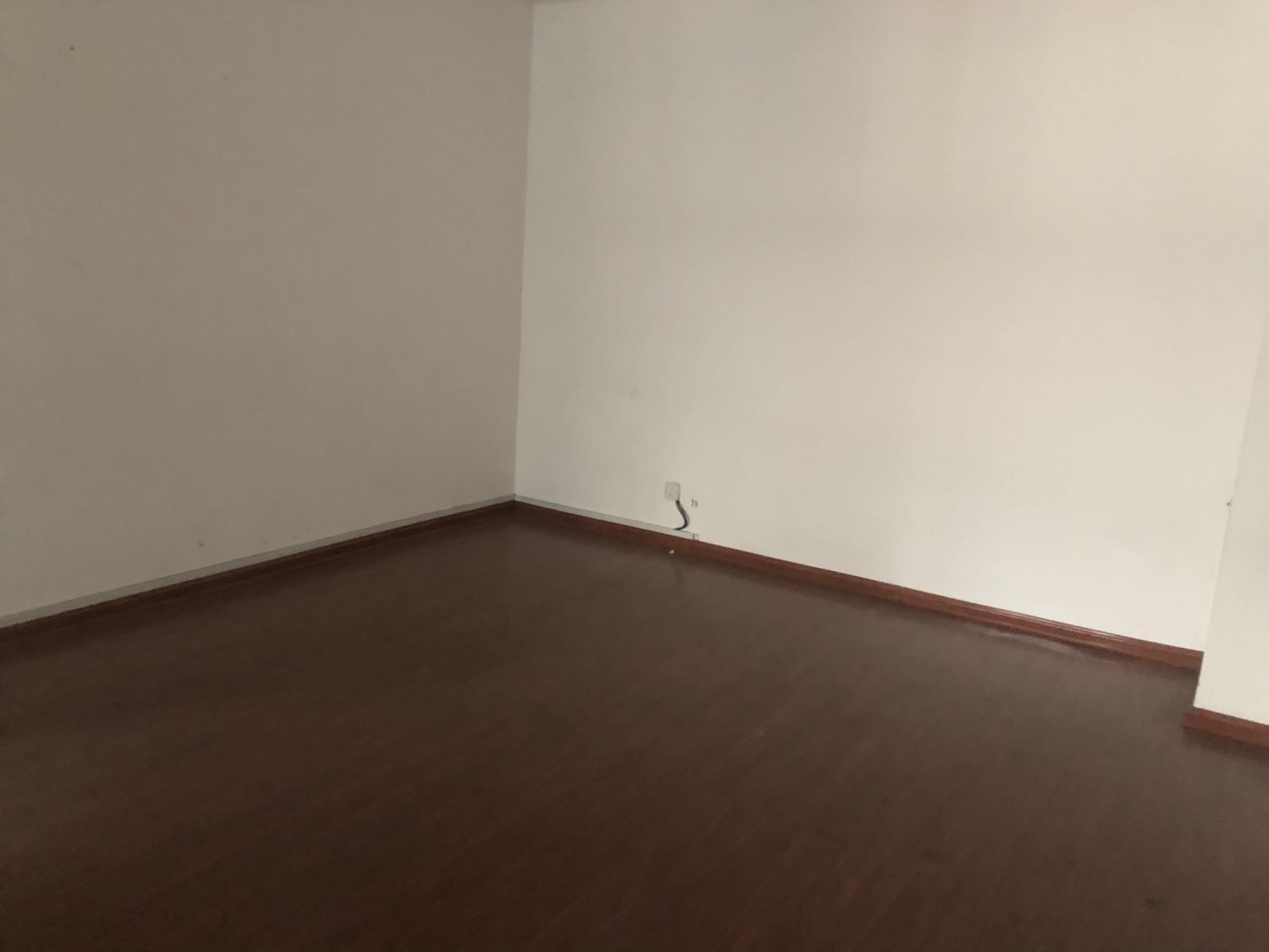 定王大厦写字楼出租  户型周正  部分家具 随时看房