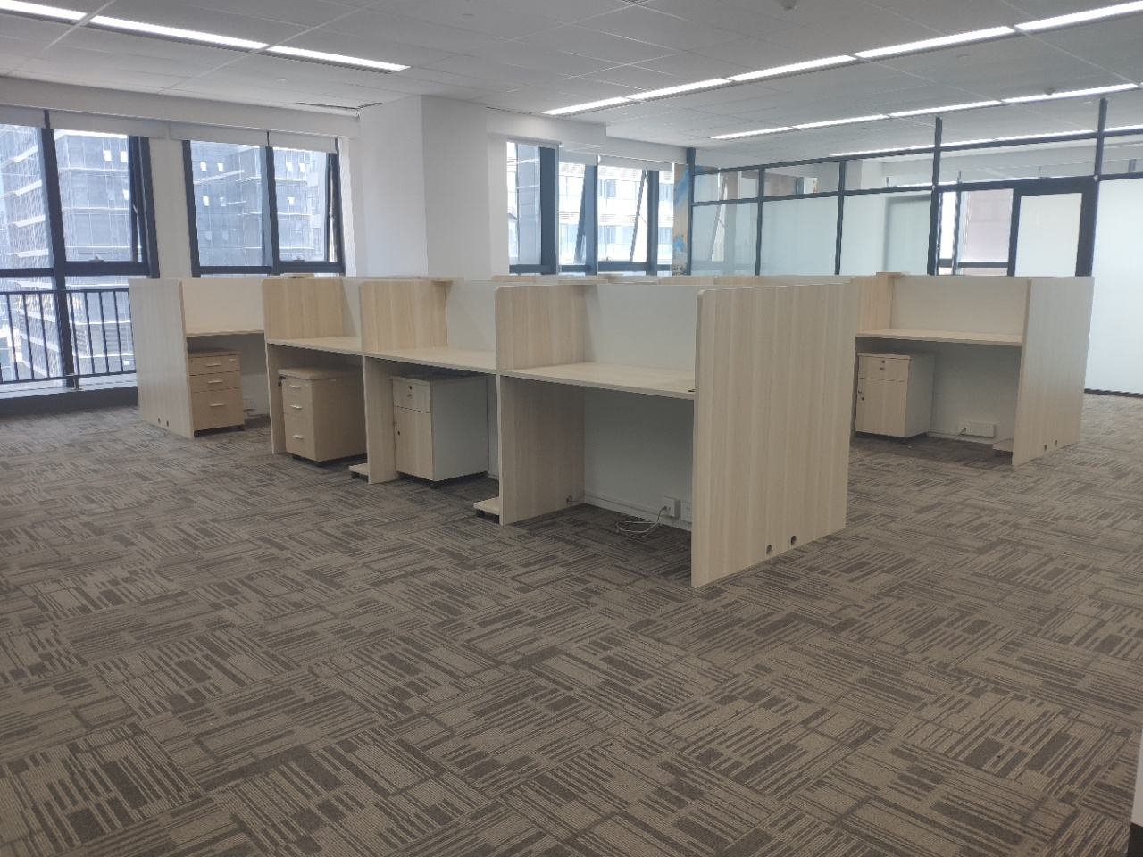 绿地品质楼盘精装291平 市中心地段CBD高端写字楼集群  高端办公场地